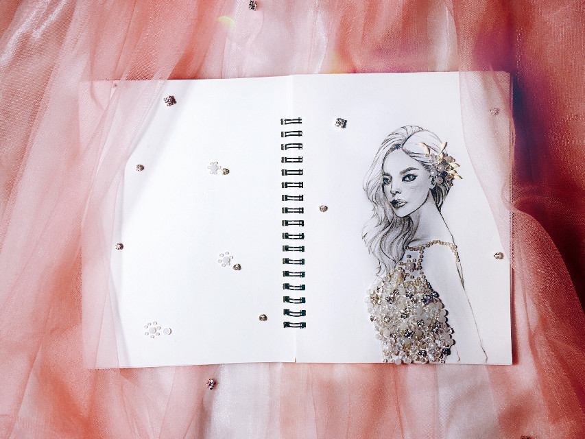 Artwork#drawing #arrangment #bridal #twinkles #gorgeous #dress #wedding #upcoming #ByTora ❤️