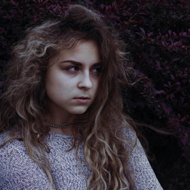 #girl #selfie #leaves #preety #mistic #mistical #flower #forest #dark #darkness #darkbeauty #levygrett